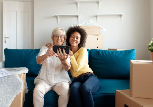 4 Important Benefits From Moving Senior Parents Closer to You